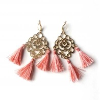 http://www.martefrisnes.com/shop.php?sec=prod&prod=209&product=rita-tassel-earrings-coral-new