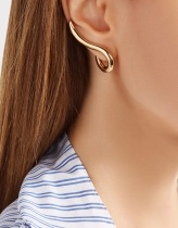 https://www.net-a-porter.com/gb/en/product/851933/jennifer_fisher/xl-curved-root-gold-plated-earrings