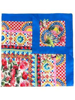 https://www.farfetch.com/uk/shopping/women/dolce-gabbana-mambo-print-scarf-item-11797815.aspx?storeid=9529&from=listing&ffref=lp_pic_836_4_