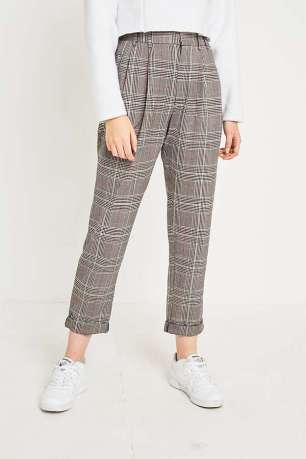 https://www.urbanoutfitters.com/en-gb/shop/light-before-dark-red-checked-pleated-front-trousers?category=womens-trousers&color=060