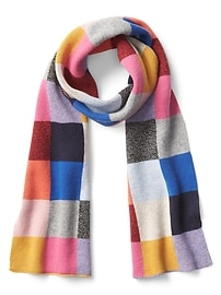http://www.gap.co.uk/browse/product.do?pid=000157529000&vid=1&preferredLocale=en_GB&kwid=1&sem=false&sdkw=cashmere-pattern-scarf-P000157529&sdReferer=http%3A%2F%2Fwww.gap.co.uk%2Fproducts%2Fcold-weather-accessories-women-C1093706.jsp