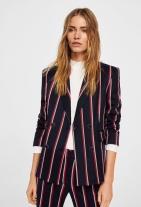 https://shop.mango.com/gb/women/jackets-blazers/striped-suit-blazer_21093644.html?c=69&n=1&s=prendas.familia;4,304.chaquetas4,304;Americanas