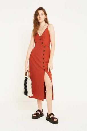 https://www.urbanoutfitters.com/en-gb/shop/uo-amber-spice-midi-dress?category=dresses&color=020