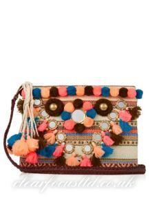 https://www.farfetch.com/uk/shopping/women/figue-fara-clutch--item-12597242.aspx?storeid=10038