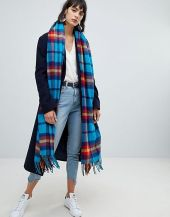 https://www.asos.com/asos-design/asos-design-oversized-square-scarf-in-bright-blue-check/prd/9709877?clr=blue&SearchQuery=&cid=4174&gridcolumn=3&gridrow=12&gridsize=3&pge=3&pgesize=72&totalstyles=3612